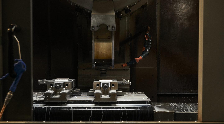 Un centro di lavoro per la produzione dei prodotti PLH